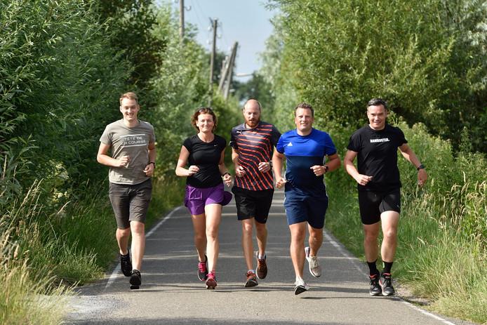 Vlnr: Marnix van Zetten, Vera van der Wel, Pepijn van der Wiel, Stefan Gomes en Ronald Verkuijl. Het vijftal speelt een belangrijke rol in de organisatie van de Halve Marathon Gouda