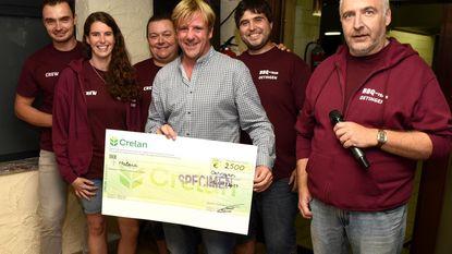 Filip De Mulder krijgt cheque van 2.500 euro