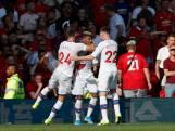 Van Aanholt dompelt Old Trafford in rouw met winnende goal