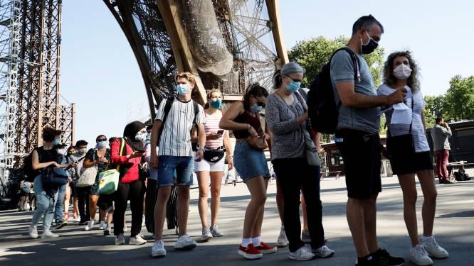 Eiffeltoren weer open na drie maanden coronasluiting