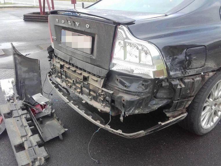 De Volvo S60 raakte zwaar beschadigd.
