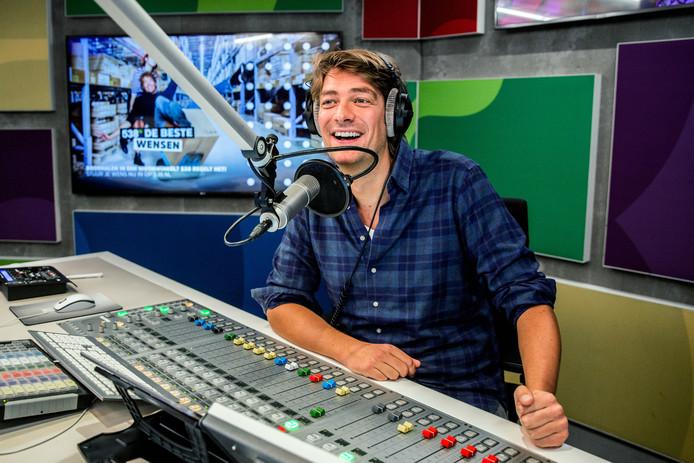 DJ Frank Dane volgt Edwin Evers op in de ochtend bij Radio 538. De radiodj is vanaf 2019 te horen tussen 6.00 en 10.00 uur.