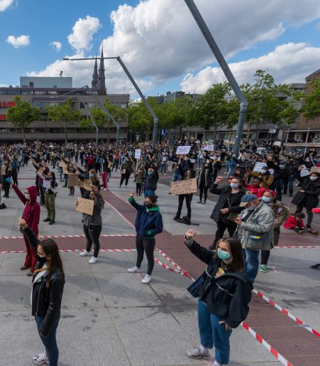 Stadhuis Eindhoven blijft nog wit; percentage allochtone ambtenaren nog steeds laag