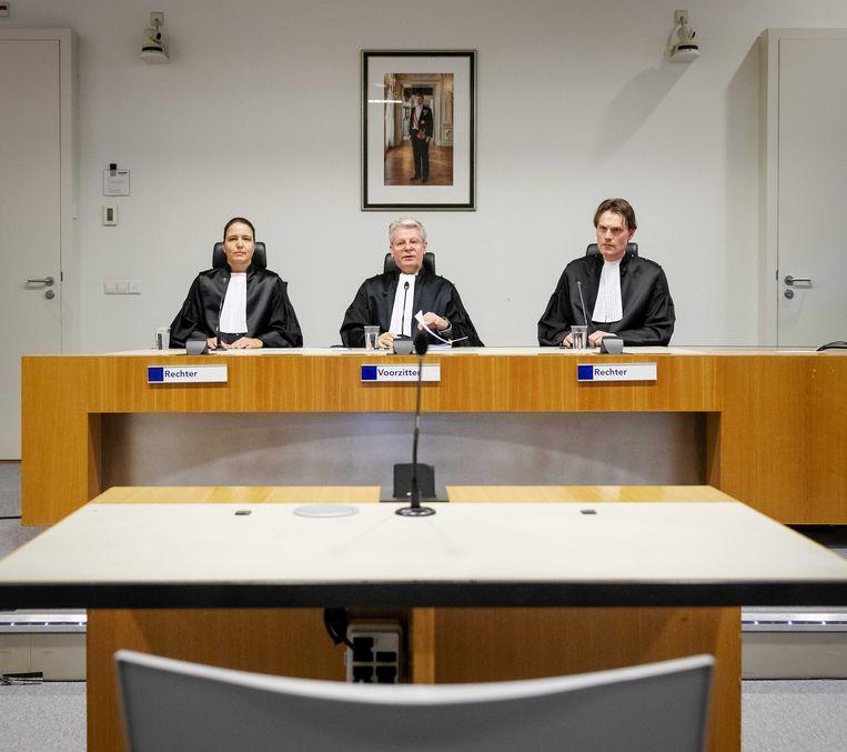 De rechters die de strafzaak tegen Gökmen T. behandelen. Het OM eiste donderdag levenslang. Beeld ANP