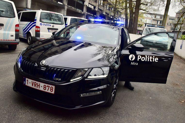 Een patrouille van de politiezone Mira stelde zich op vlakbij de oprit van de snelweg en kon de kledingdief klissen.