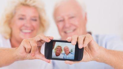 Helft van alle 65-plussers heeft smartphone