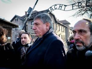 """Jambon à Auschwitz: """"Comment est-il possible que des gens soient prêts à faire cela?"""""""