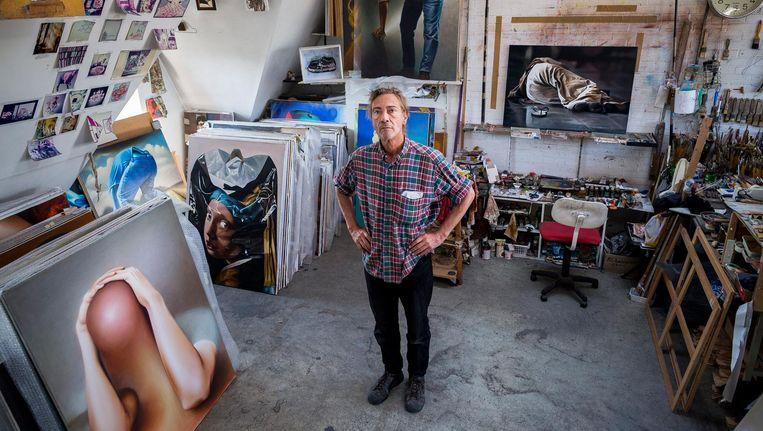 Kunstenaar Leo Wijnhoven kreeg in augustus te horen dat hij per oktober na 27 jaar zijn atelier leeg moet opleveren. Beeld Rink Hof