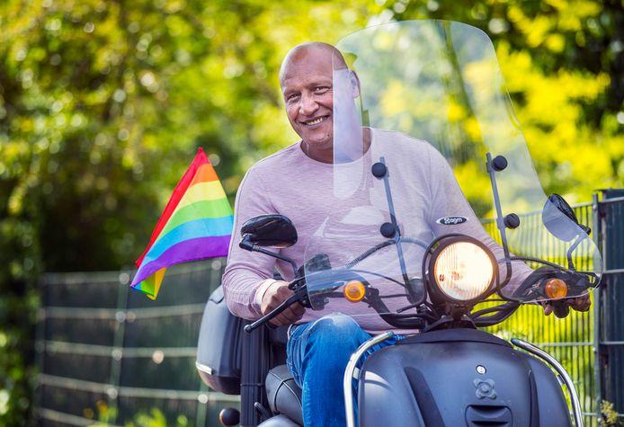 Ben Manuputty, organisator van The Hague Pride, Libanon-veteraan op de Nationale Veteranendag en oud-portier van de Marathon, Ben Manuputty.