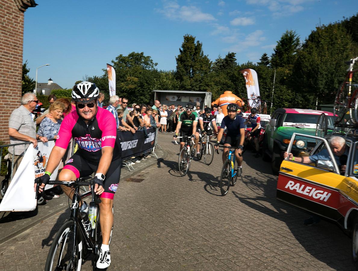 De tour der ongeschoren benen in Lierop met René Froger aan de start