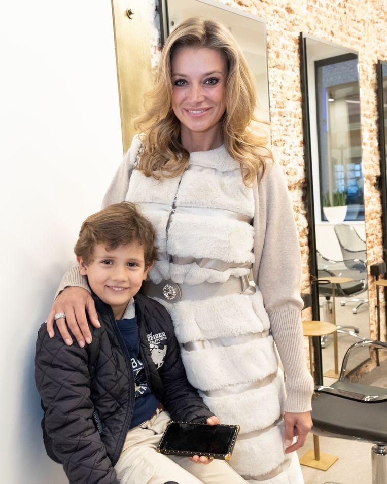 Véronique De Kock en zoontje Maximilien.