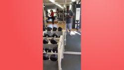 VIRAL3: Nee, dit is niet hoe je zo'n fitnesstoestel gebruikt