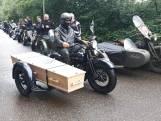 Indrukwekkend: erehaag van motoren voor Piet (82) uit Almelo