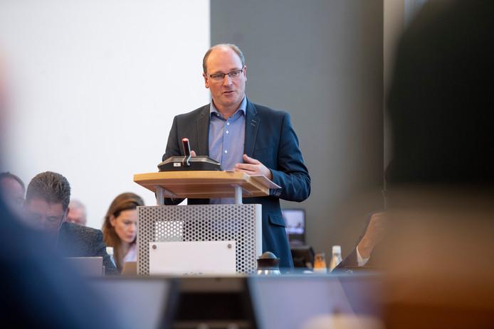 Gerjan Smelt, voorzitter van de vertrouwenscommissie, vindt de enquete onder inwoners van groot belang: 'Zodat we straks een burgemeester hebben die bij onze gemeente past'.