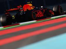Snelste tijd en crash voor Verstappen in tweede training