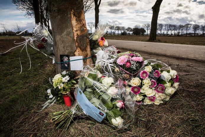Bij de boom in Echt waar het fatale ongeval plaatsvond