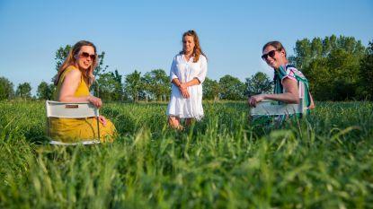 """Fien ontvangt Zelenaars voor 'coronaproof' Takeaway Theater: """"Intiem luisterverhaal in Zeelse velden"""""""