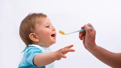 """Opschorting voor """"onvoorzichtige"""" onthaalmoeder die paplepel te diep in mond van baby stak"""