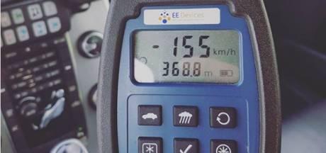 Automobilist rijdt veel te snel langs 's-Heerenhoek: 'Blijkbaar hebben mensen ook op zondagochtend haast'