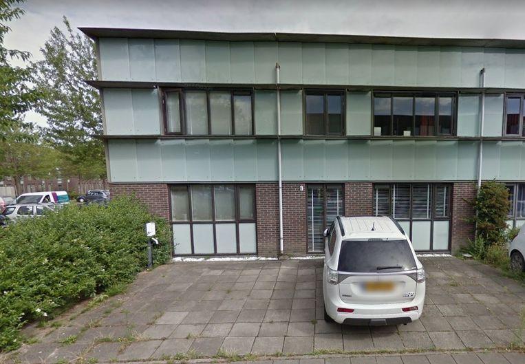 Op de Renoirstraat in Almere kun je voor 475.000 euro een woning van 250 vierkante meter krijgen. Beeld Google Street View