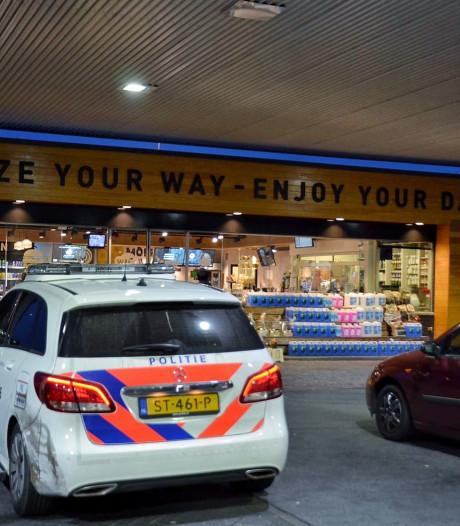 Medewerker tankstation Wouwse Tol bedreigd bij diefstal sigarettensloffen in Bergen op Zoom