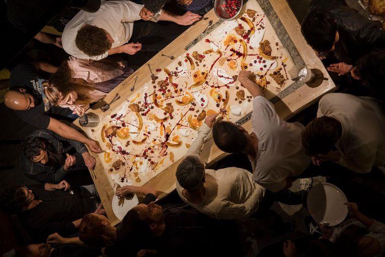 Dessert in restaurant Burek in Tel Aviv: alsof Jackson Pollock is gereïncarneerd als banketbakker Beeld Vincent van den Hoogen