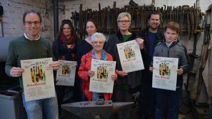 Van boekbinden tot kantklossen: Ambachtenmarkt zet oude beroepen in de kijker in Gaston Martenszaal