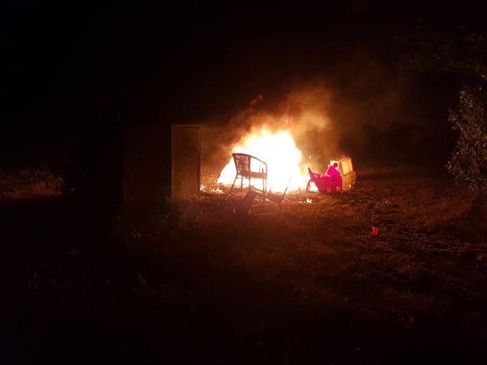 De stoelen van ondernemer Jelbert haagsma gingen in vlammen op.