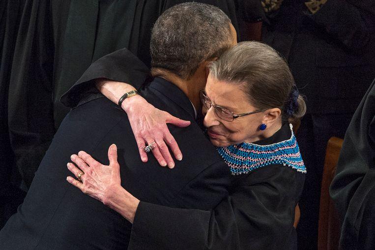 Oud-president Barack Obama en overleden opperrechter Ruth Bader Ginsburg in 2014.  Beeld EPA