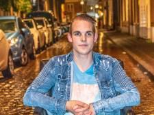 Raymond (19) uit Zwolle heeft na oproep de gastouders voor het uitzoeken