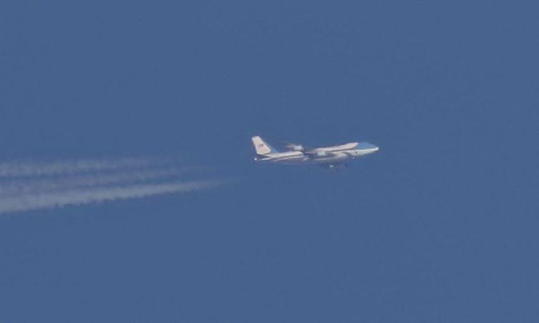 De foto van de Air Force One die over Yorkshire vliegt