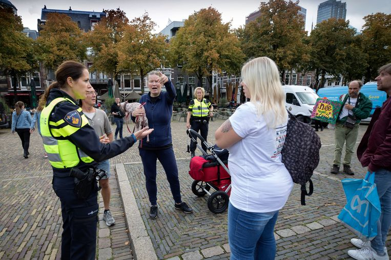 Nederland, Den Haag, 4 september 2020. Demonstratie tegen en Hoorzitting over Covid, Corona-virus. Foto: Werry Crone Beeld Werry Crone
