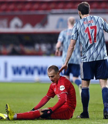 Zware knieblessure FC Twente-aanvaller Cerny: einde seizoen