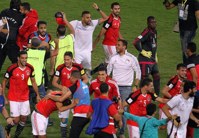 Dolle vreugde bij alle Egyptenaren na de winnende goal van Mohamed Salah.