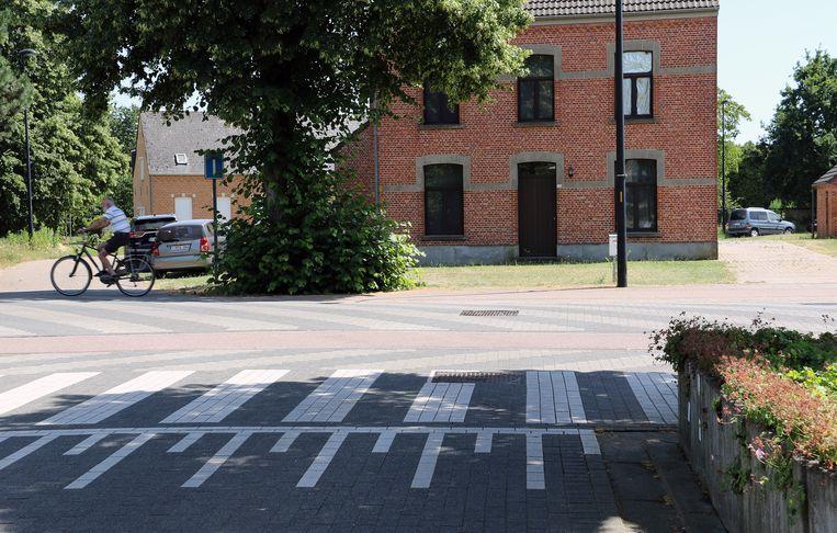 183f1494d34888 Bestuurster rijdt onder invloed in op fietsende moeder (34) en twee ...