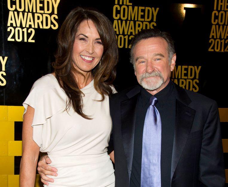 Robin Williams en echtgenote Susan Schneider arriveren op de rode loper van The 2012 Comedy Awards in New York.