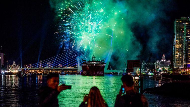 Een vuurwerkshow bij de Erasmusbrug in Rotterdam. Beeld anp