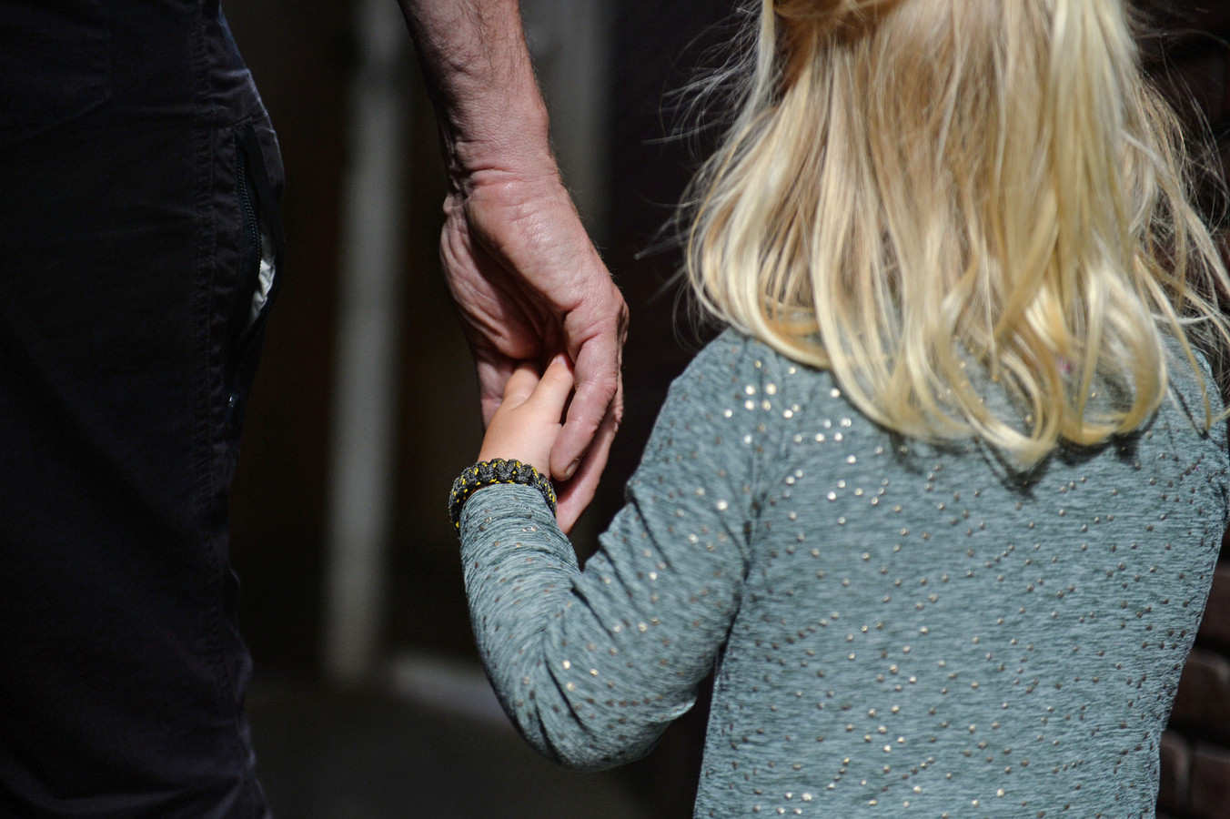 In Zuid-Holland mag geen kind tussen wal en schip vallen. Dat kost geld.