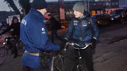 Politie betrapt 83 fietsers zonder verlichting