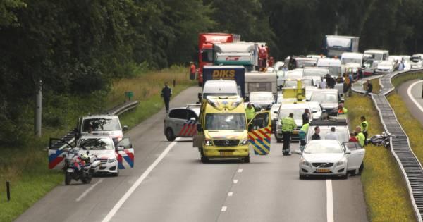 Motorrijder zwaargewond bij ongeluk op A28.