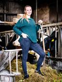 Iris van der Wekken, op de boerderij van haar vader in Maasdam.