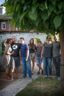 Opmerkelijke woonsituatie gezin: 'Mijn vader woont bij ons in de schuur'