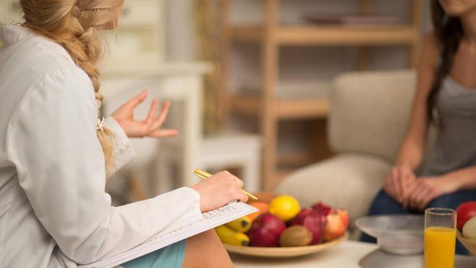 Diététicien est un titre protégé, au contraire de celui de nutritionniste par exemple, qui ne répond à aucune exigence légale.