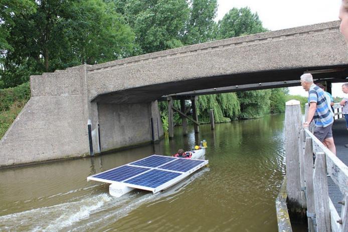 De solarboat van de HAN-studenten.
