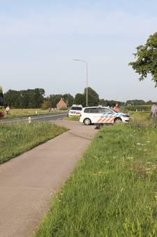 VIDEO: Motorrijder ernstig gewond bij ongeluk met landbouwvoertuig in Deursen-Dennenburg