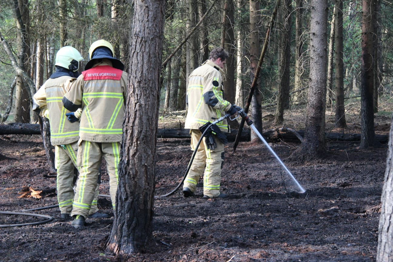 Brand in buitengebied Holten