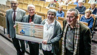 Neos steunt vijf goede doelen met 500 euro