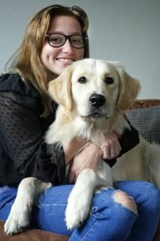 Romy (20) woog nog maar 35 kilo door haar angst om over te geven: hond Milo hielp haar beter te worden