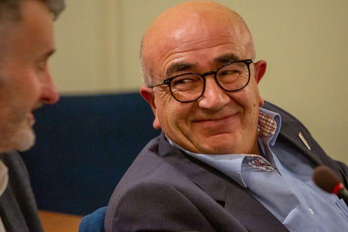 Ömer Duman stapt uit de D66-fractie en gaat verder als onafhankelijk raadslid in de gemeenteraad van Bergen op Zoom.
