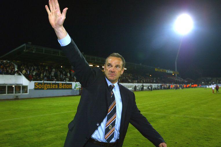 Sergio Brio groet de fans, Bergen heeft net met 0-9 verloren tegen Club Brugge.